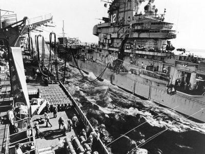 USS Hornet replenishes from USS Sacramento, June 1967.