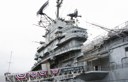 USS_Hornet_Side_View